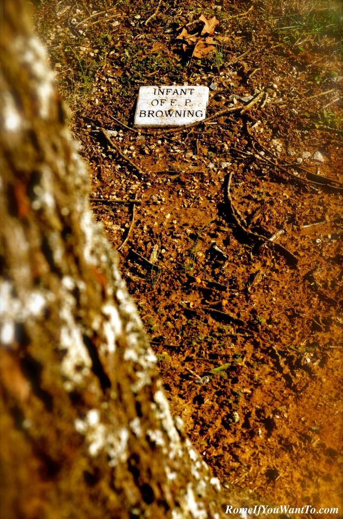 Grave of an unknown person, near the Lewis monument, Natchez Trace.