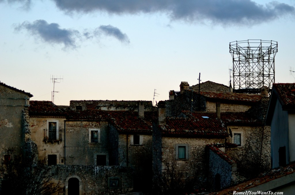 The missing Medici tower. Sorry, but with all the taxes Italians pay (up to 60% on income), I'm sure they'd like to see some more progress here five years after the quake.